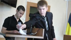 Адвокат Олександр Шадрін на суді по факту вандалізму